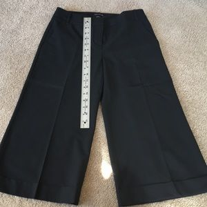 Black The Limited Cassidy fit size 0 dress capris
